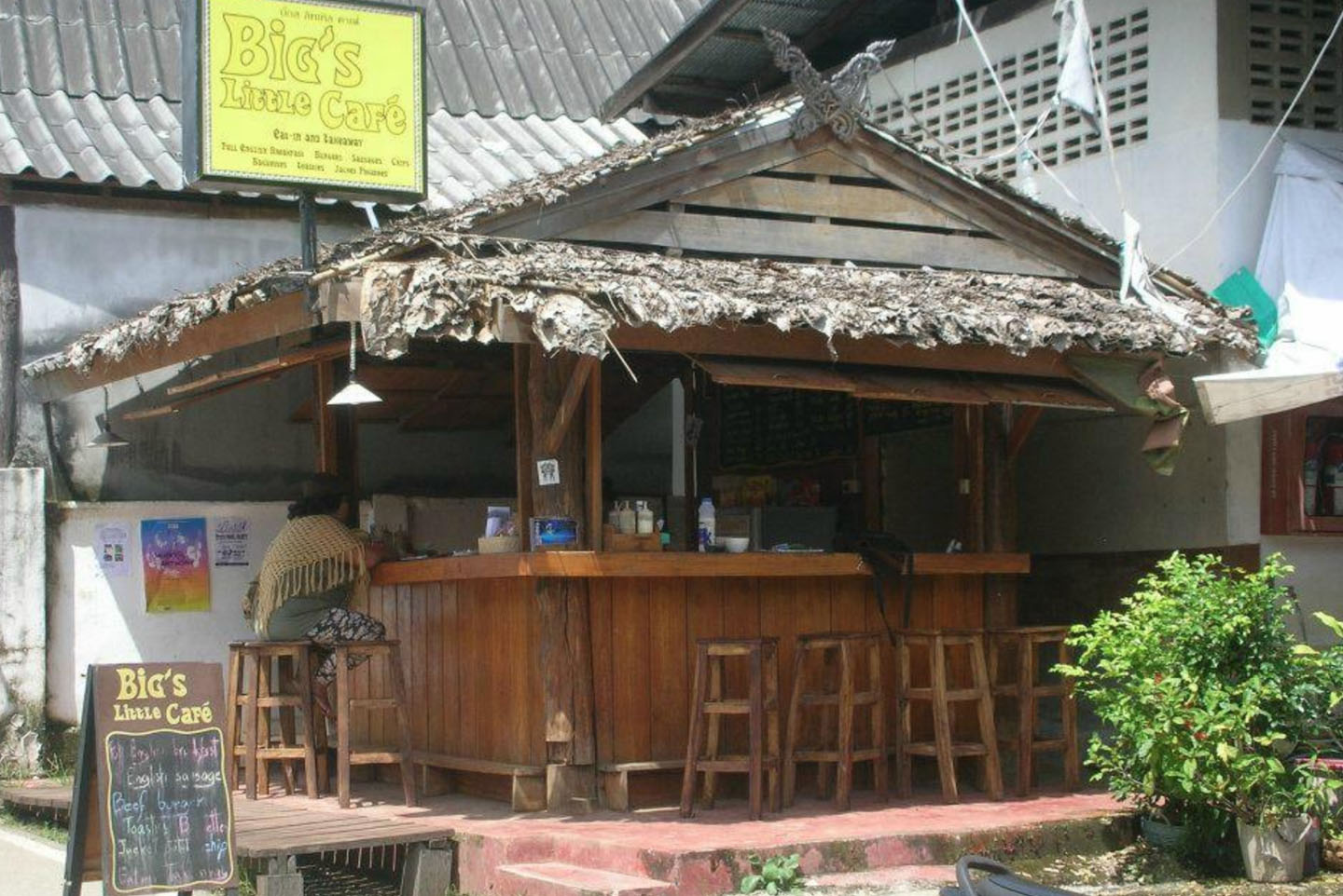 Big's Little Cafe, Pai